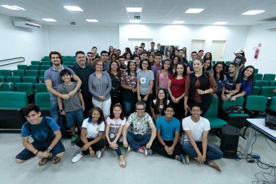 Fabiano Piúba convida estudantes da rede pública estadual para Bienal do Livro